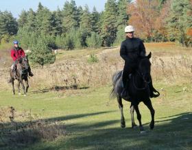 Конна езда, Приключенски клубове, Конни преходи и маршрути