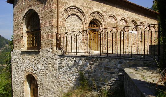 Бачковски манастир - костница