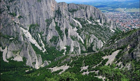 "ПП ""Врачански Балкан"", Забележителности Враца, Природни паркове"