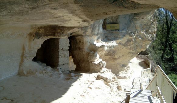 Аладжа манастир, Забележителности около Варна, Златни пясъци